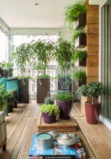 Varanda verde | Varanda verde, Decoração de varanda e Jardins de casas