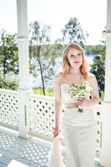 Real wedding in Finland - dress made by Pukuni (www.pukuni.fi)