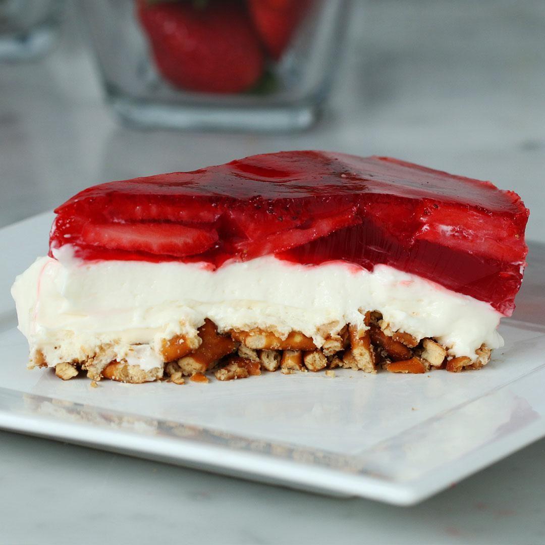 Cheesecake de fresa con masa de pretzel #easypierecipes