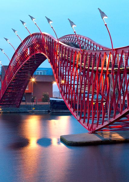 The 10 most beautiful bridges in the world design for Design bridge amsterdam