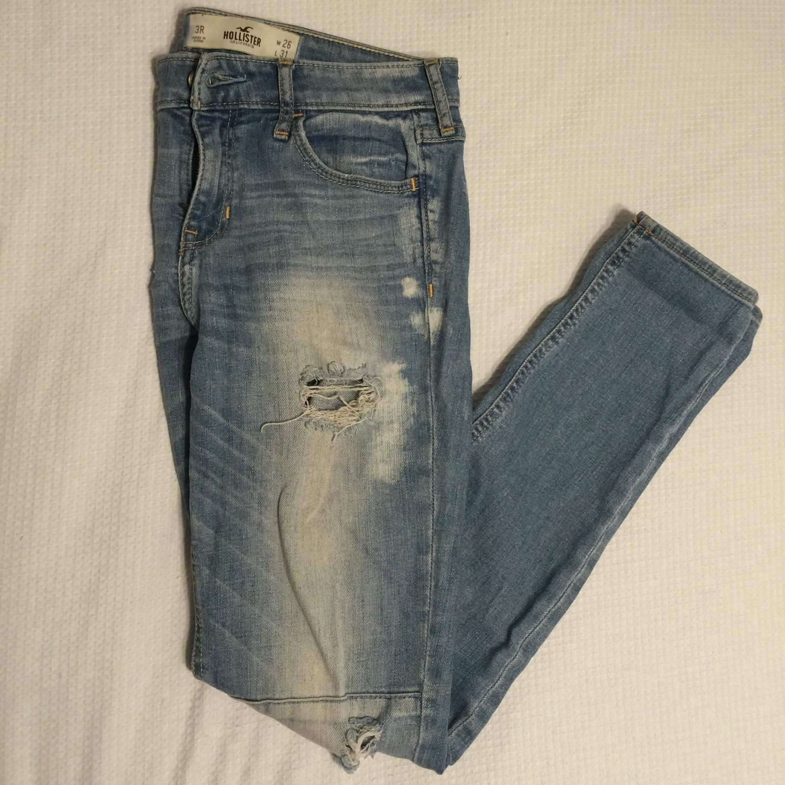 d6cd9c21 20.00 | Hollister Light Washed Ripped Jeans Size 3R W26 L31 ❤ #hollister #