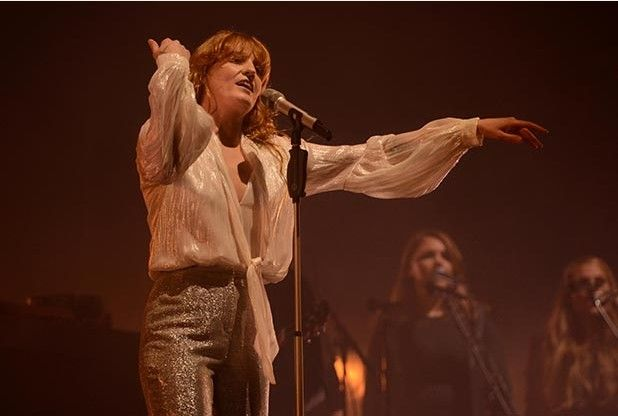 Glastonbury Festival 2015: Florence Welch thanks Grohl during winning headline Pyramid Stage show   Bath Chronicle #merchantarchive