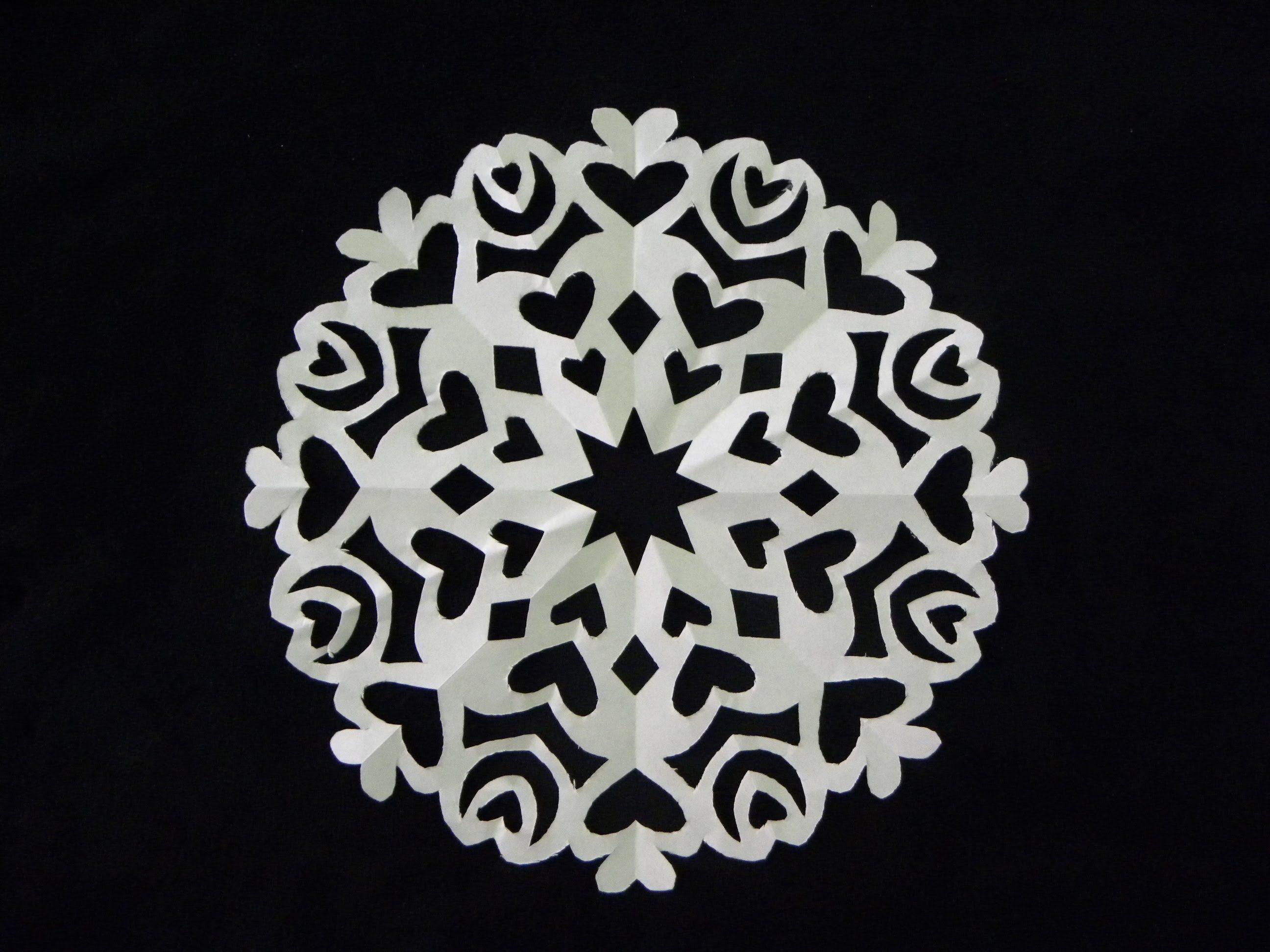 SNOWFLAKE CON CORAZONES. PAPER SNOWFLAKE . | Como hacer manteles