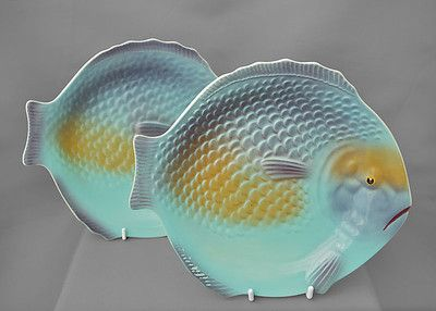 Shorter son pair of vintage ceramic fish shape plates for Fish shaped plates