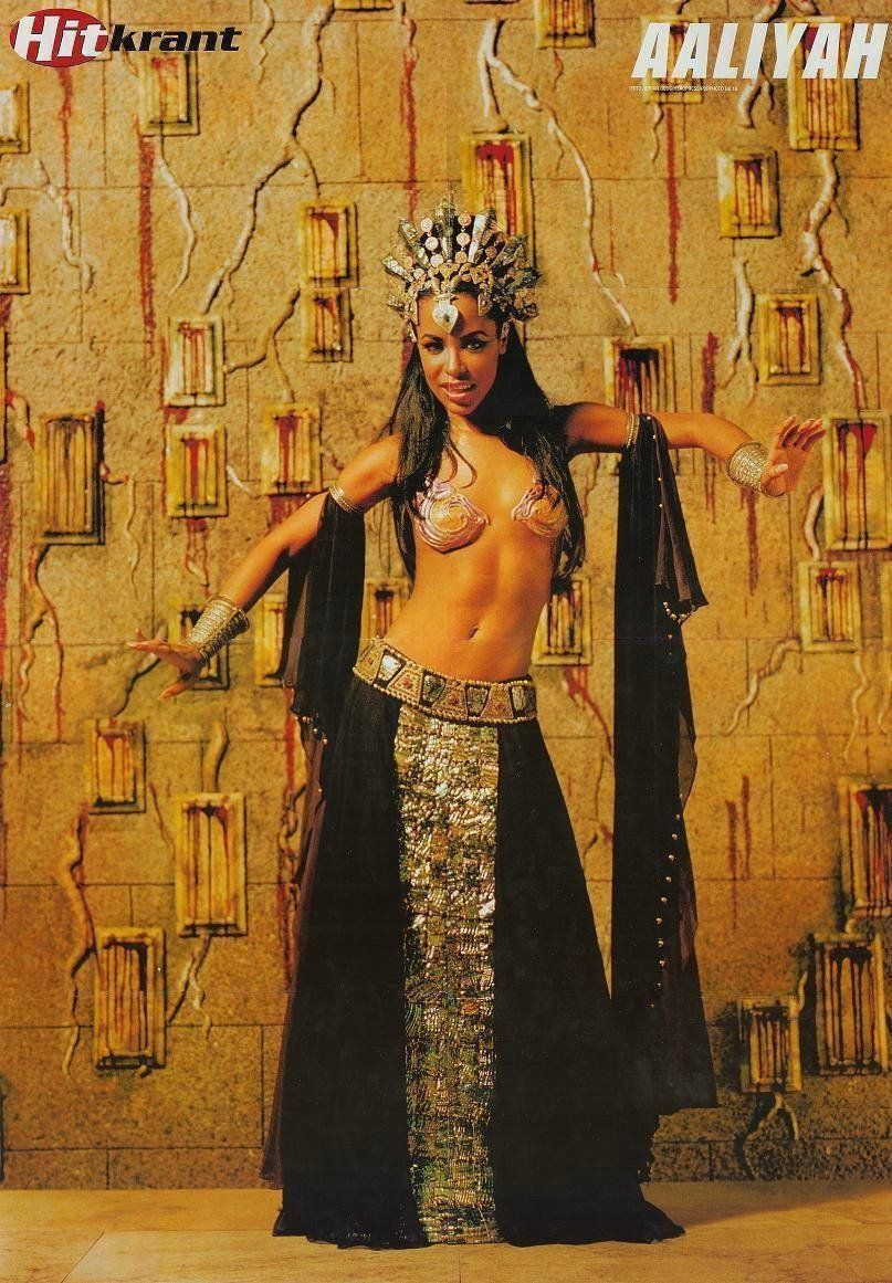 319a19dfb04 Aaliyah as Akasha - Queen Of The Damned - full length