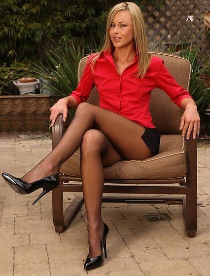 Clare Danes nude