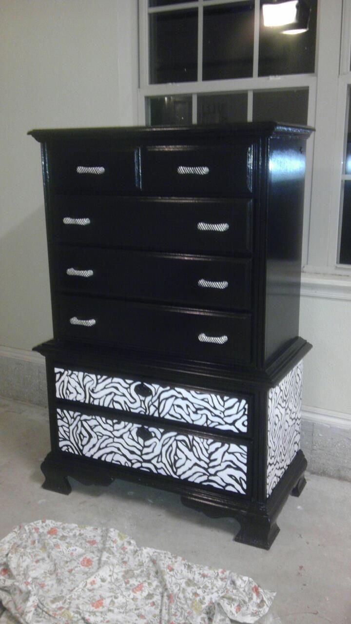 Painted A Dresser And Used A Zebra Stencil Muebles Para El Hogar