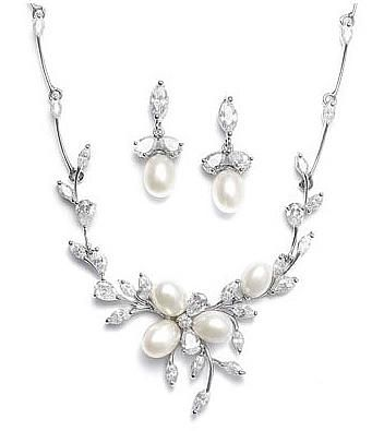 Creme De Luxe Handmade and Vintage Bridal Jewelry