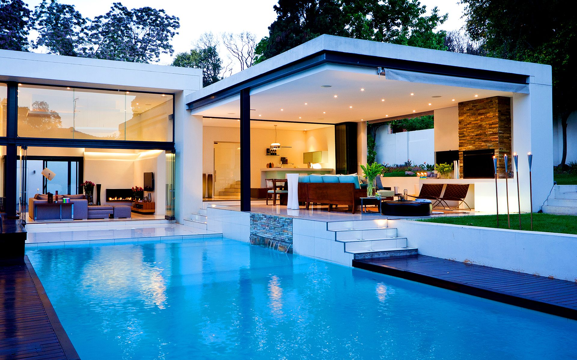 Homes With Pools Luxury House With Pool Wallpapers Pictures
