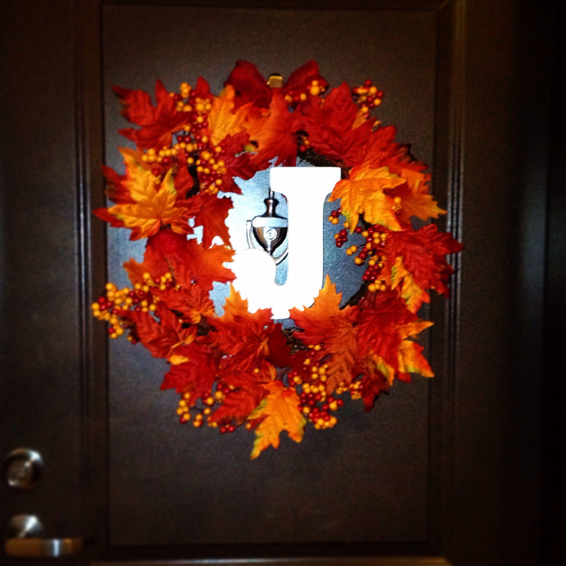 diy fall leaves monogram wreath letter from michael 39 s leaves from christmas tree shop. Black Bedroom Furniture Sets. Home Design Ideas