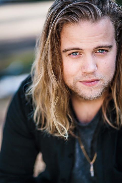 Some People Just Look Way Too Good He S One Of Them Reilly Dolman From His Fb Page Pretty Men Celebrities Male Men S Long Hairstyles Biografia filmografia critica premi articoli e news trailer dvd. reilly dolman