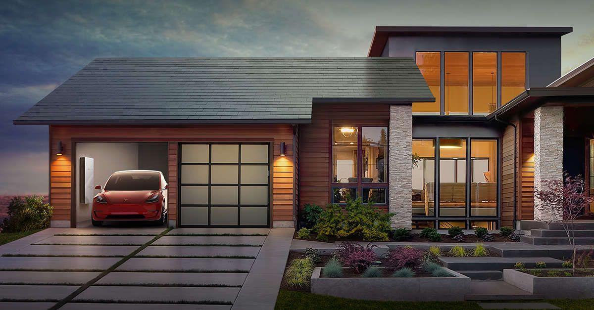 ألواح Tesla للطاقة الشمسية تتسبب في إشتعال النيران في أحد مستودعات شركة أمازون Solar Tiles Solar Roof Shingles Solar Shingles
