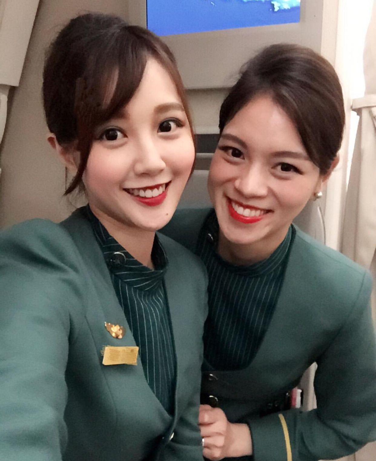 【Taiwan】 EVA Air cabin crew (old uniform) / エバー航空 客室乗務員 旧