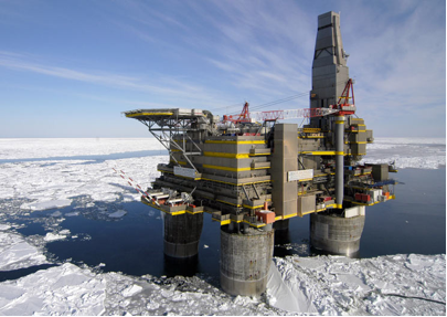 Httparchivessiaeurasiablogfutureforeignpolicy201205 shell oil points out that drilling in icy waters isnt new pictured is lunskoye a in sea ice one of two platforms in the russian oil and gas development sciox Choice Image