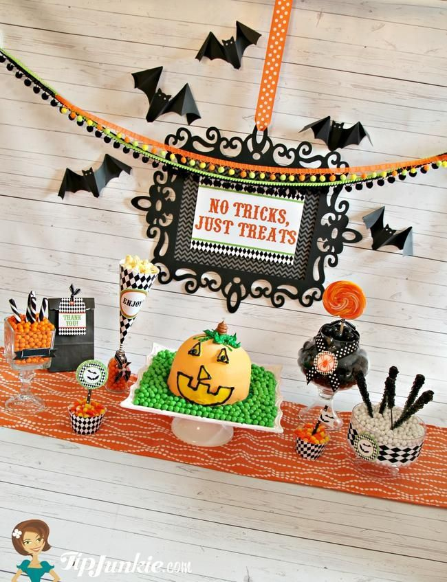 Easy Halloween party food with free Halloween printables you\u0027ll love - free halloween printable decorations