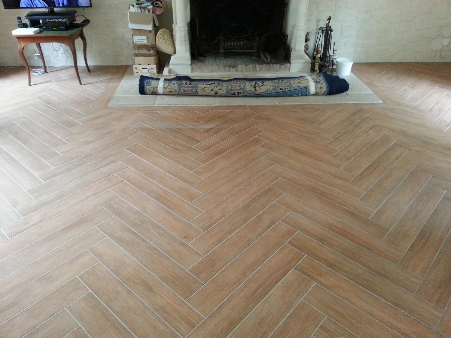 Parquet Sur Carrelage Carrelage Chevron Floors In 2019 Parquetry Flooring Wooden