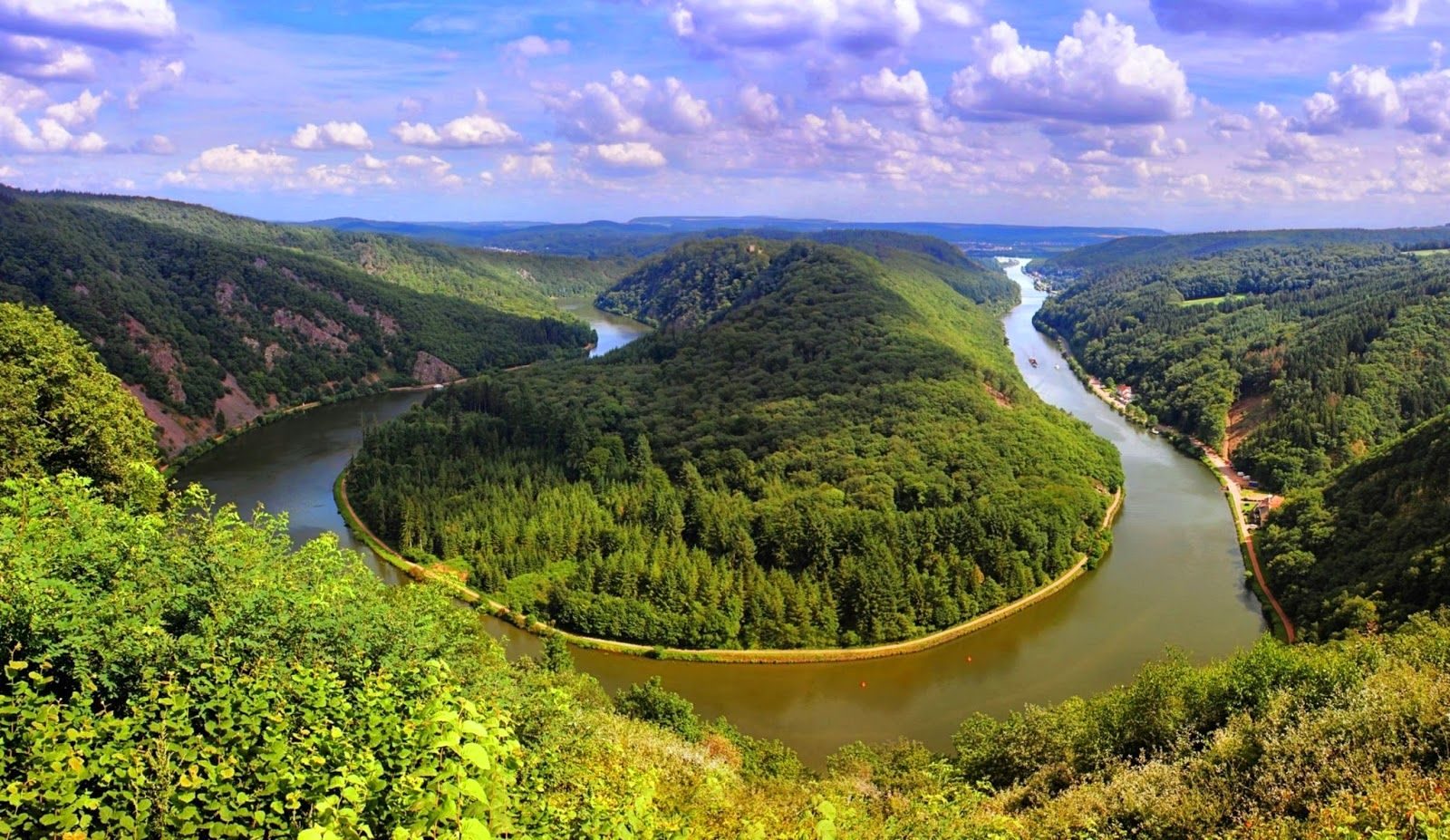Visit Famous Places make You Excited,In Germany http://www.millionplaces4you.com/visit-famous-places-make-you-excitedin-germany/