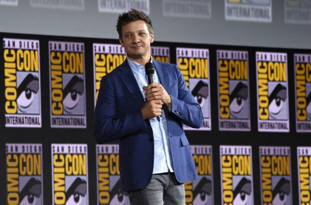 Hawkeye on Disney+ Jeremy renner, Avengers actors, Renner