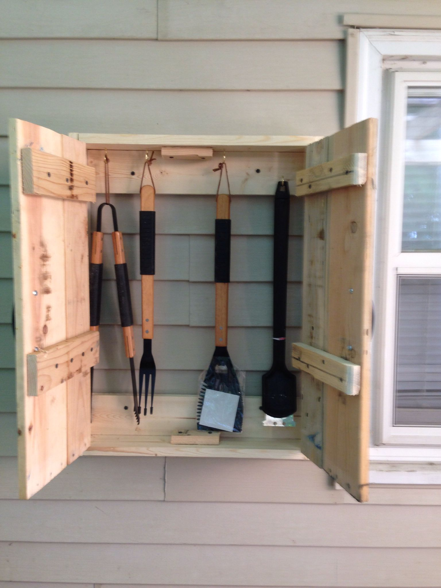 BBQ utensil cabinet made from pallets  pallet project