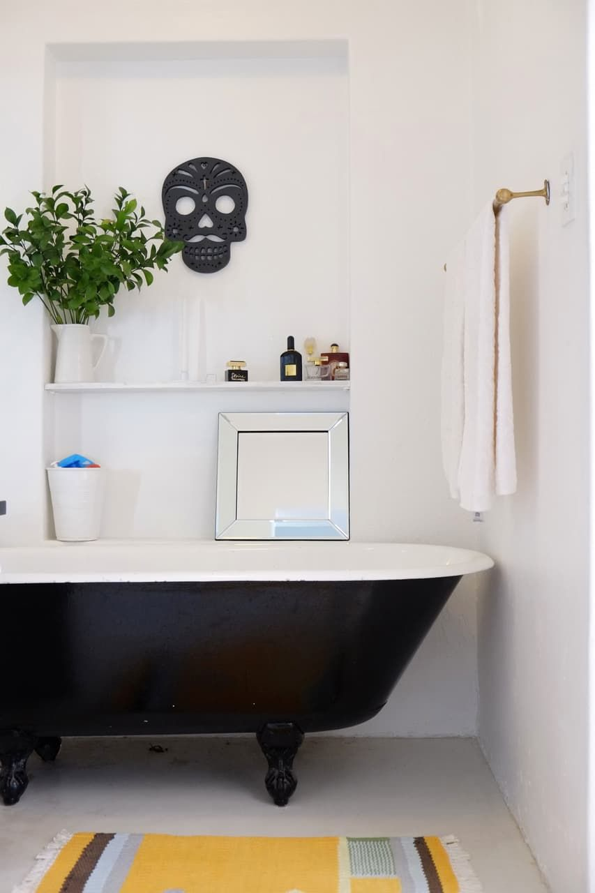 House Tour: Colorful Scandi Style in Cape Town | Bathtubs, Tubs and ...
