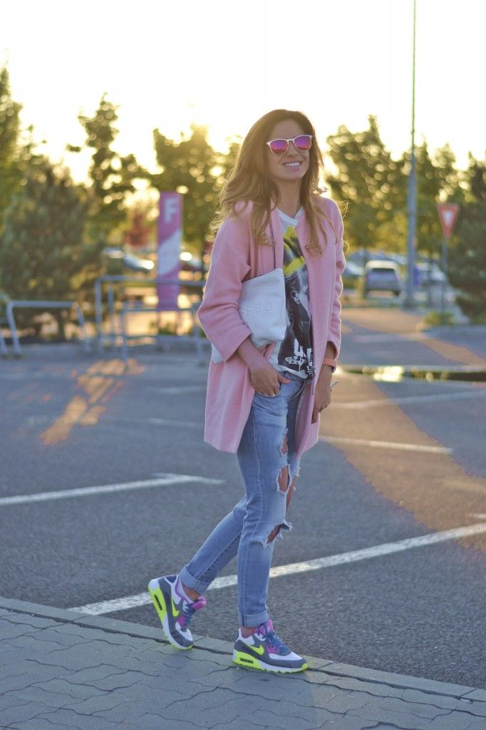 huge discount 39383 e333a relaxed outfit, baby pink coat, nike air max 90 http   ioanagrama