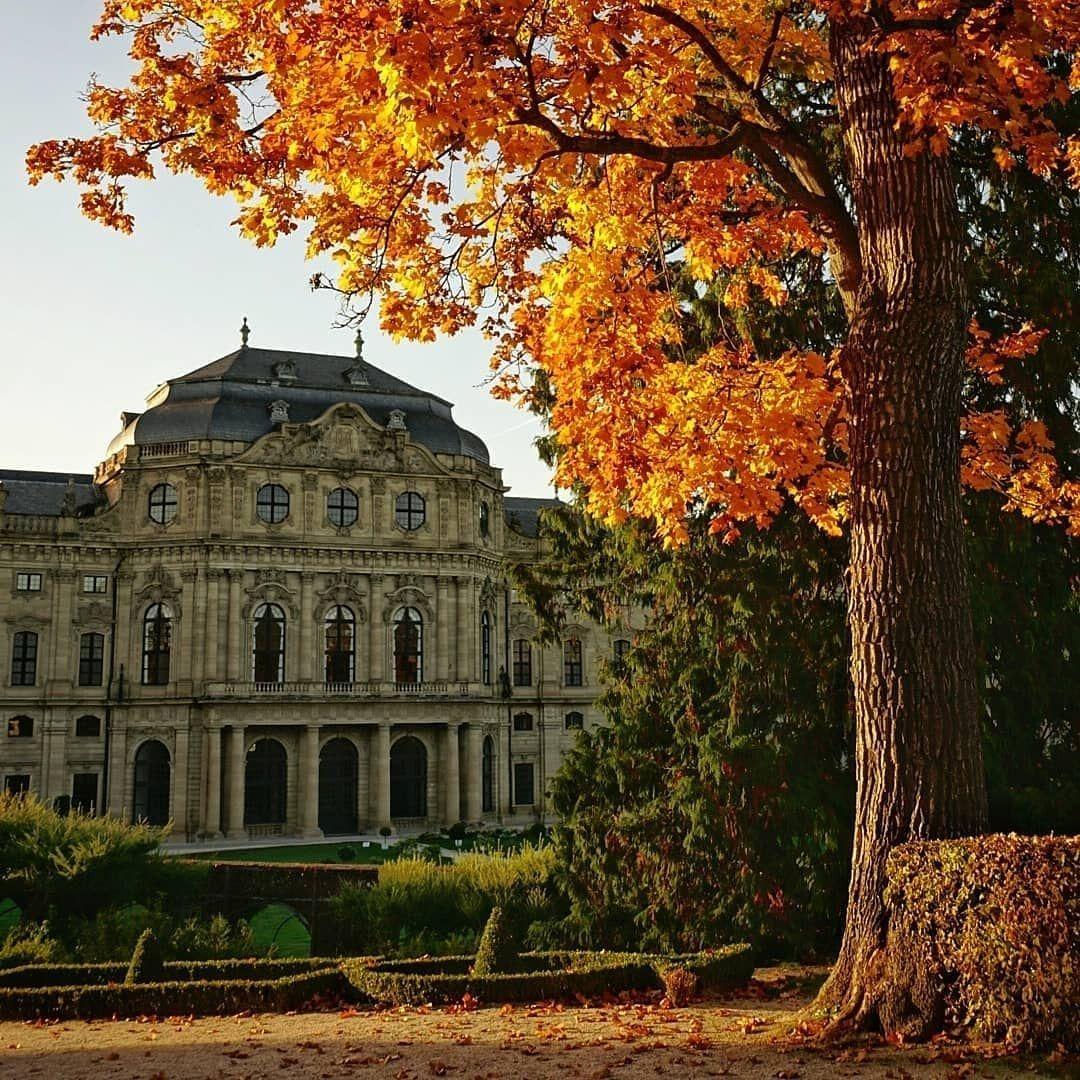 Residenz Und Hofgarten Wurzburg House Styles Mansions Building