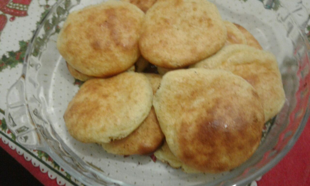 Dica da Dulci - Pão fit 4 ovos, 12 c s leite em pó, 1 c s fermento. Misturar tudo, bolinhas separadas umas das outras, fôrma untada, forno 15 minutos.
