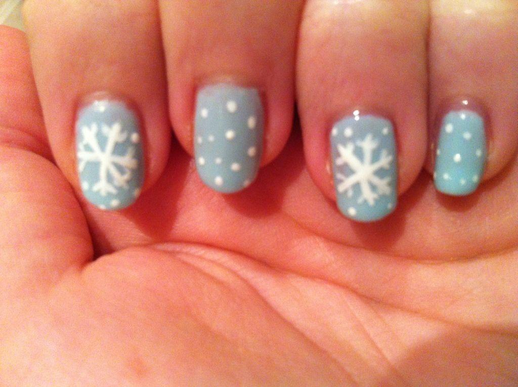 Nail art snowflakes image collections nail art and nail design ideas nail art snowflakes nail art snowflakes and art nail art snowflakes prinsesfo image collections prinsesfo Images