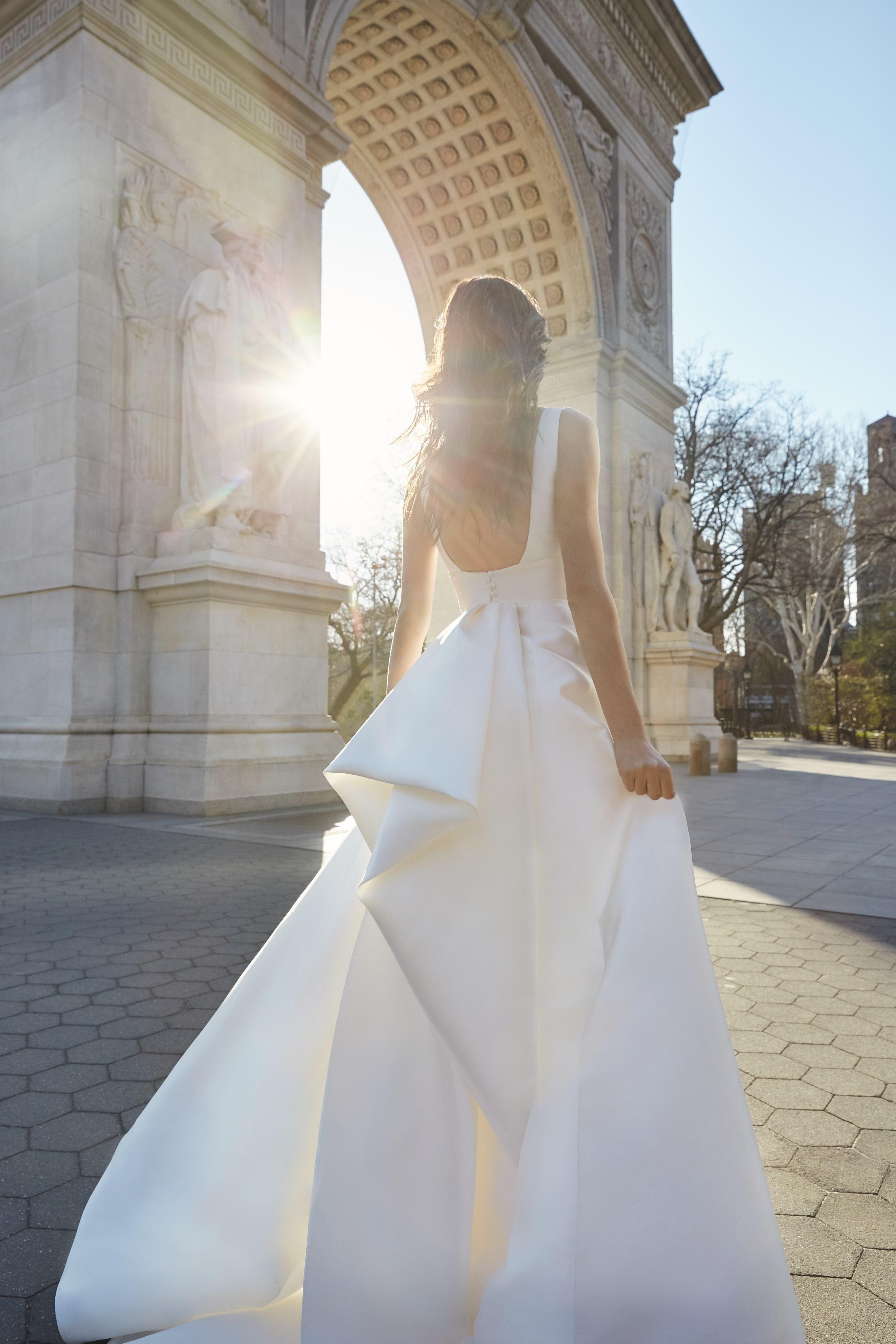 Bliss Monique Lhuillier Bridal Wedding Dress Collection Spring 2020 Brides Monique Lhuillier Bridal Wedding Dresses Ball Gowns Wedding