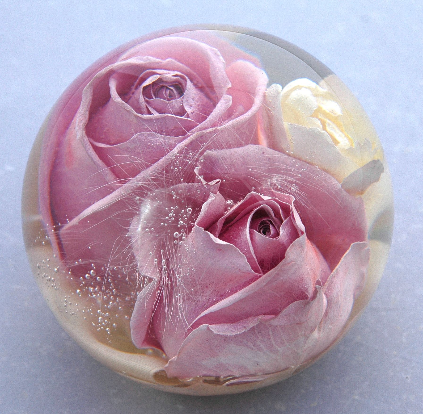 35 Mixed Luxury Flower Paperweight Priced At 16995 A Perfect