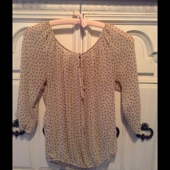 Cream blouse with tiny black bows Cream blouse with tiny black bows Forever 21 Tops