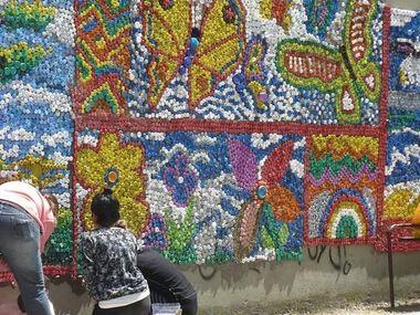 Mural de tapones