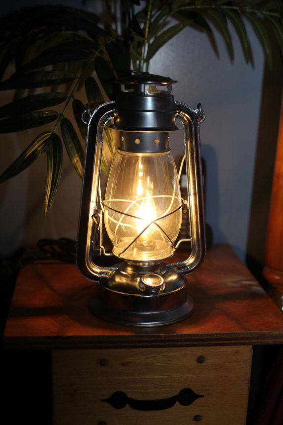 Electric Hurricane Lantern SILVER With CLEAR 40w Bulb (Free Gift)