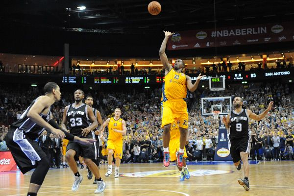 watchmlb allows you to stream ncaa basketball online in hd we bring
