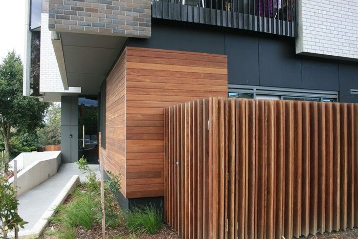 Spotted gum external timber battens woodform for Architecte lattes