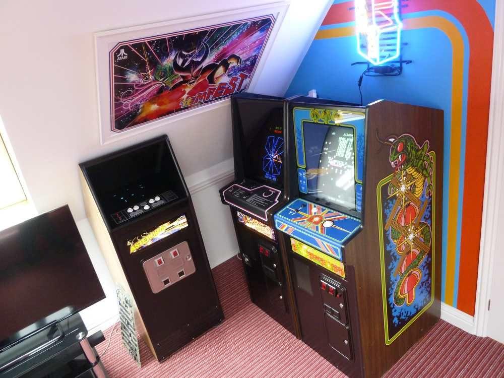 Classic Man Cave Game : Arcade mancave classic machines men