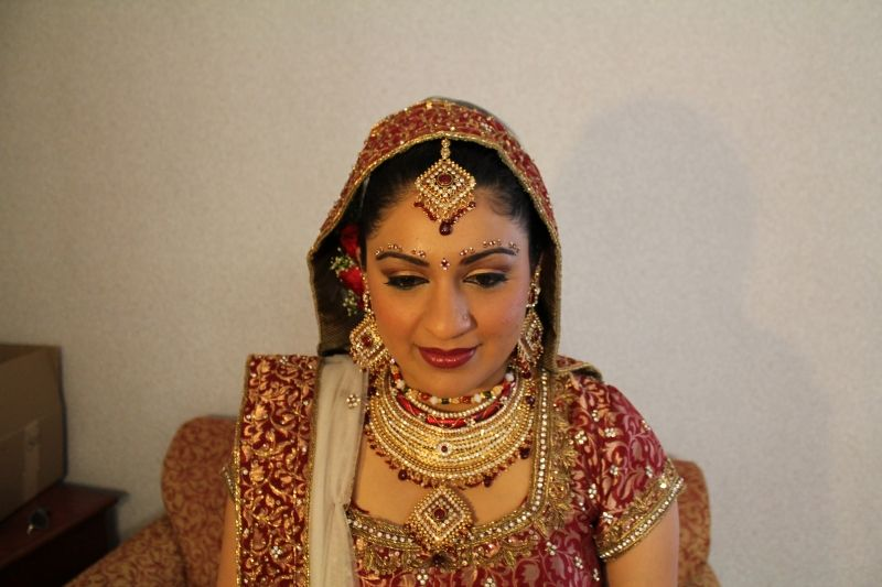 http://www.indianweddingsite.com/indian-wedding-photo-gallery/photo/6931-listing-gallery-perfection-by-gauri
