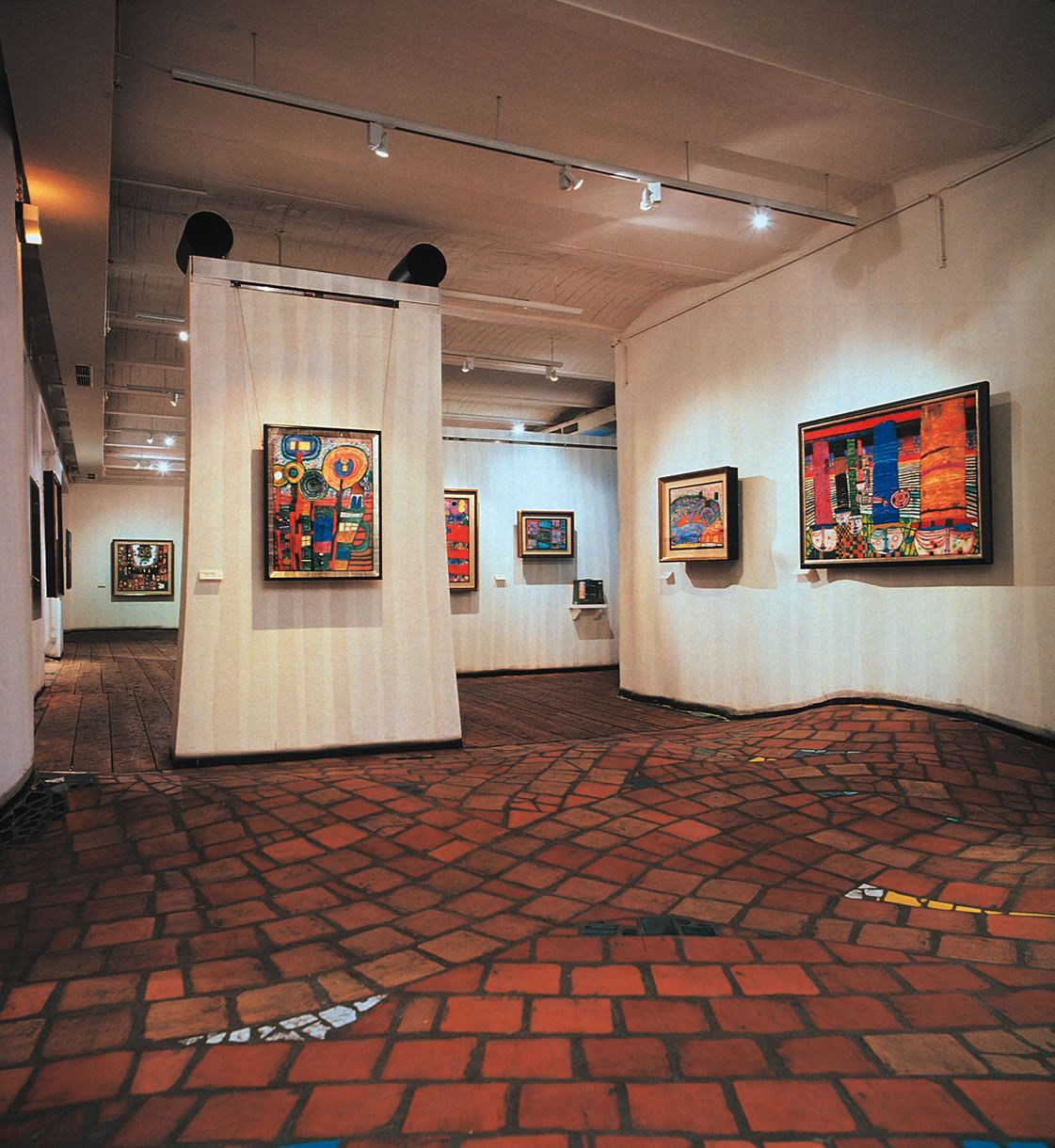 Dorf innenarchitektur experimental art  the uneven floor by hundertwasser  seitig häusi