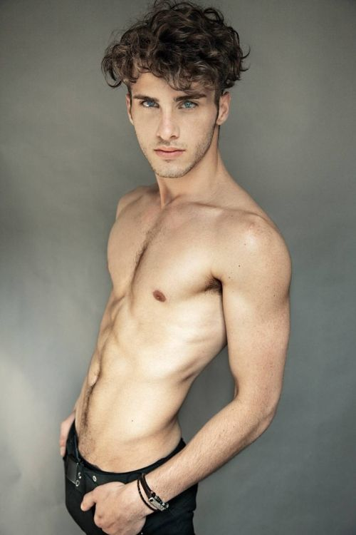 models Hot shirtless male