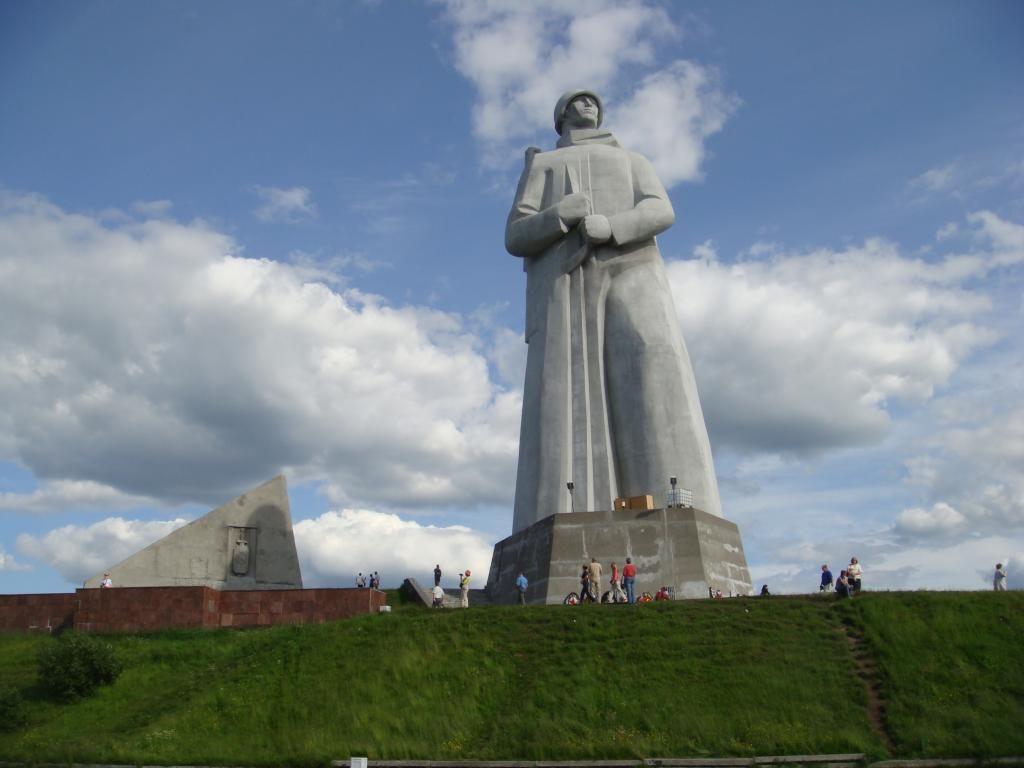 Bildergebnis für Alyosha Monument. Murmansk, Russia