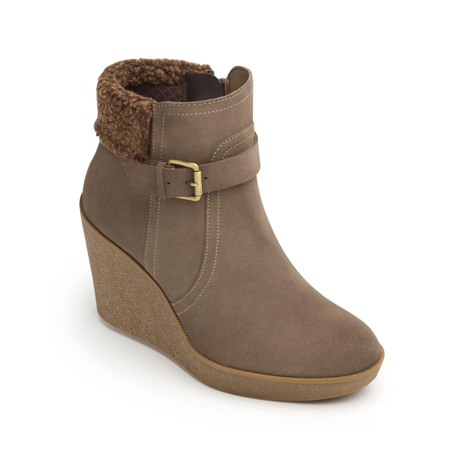 e4e6afbc83361 Nueva línea de bota y botín con plataforma alta con suela de termoplástico  tipo…