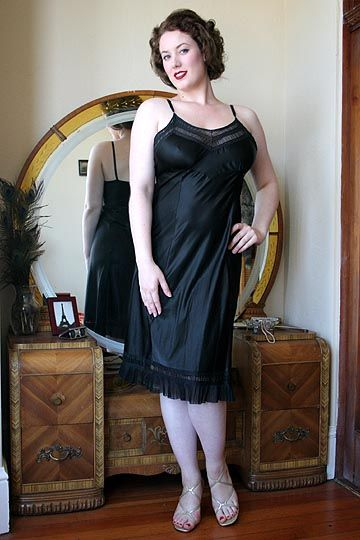 On Dollhouse Bettie 50s Vintage Black Ruched Glossy