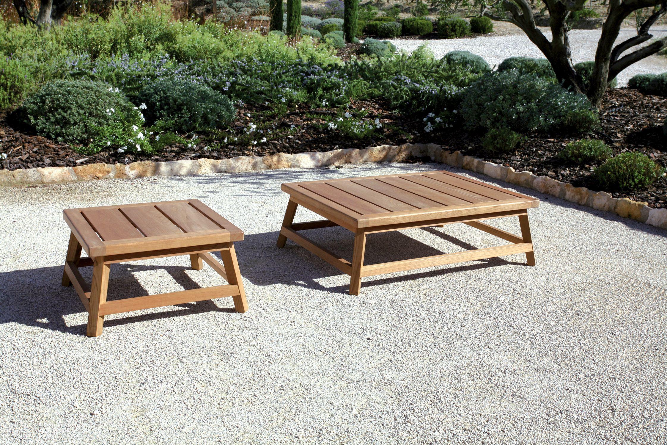 Les deux tables basses de la ligne \