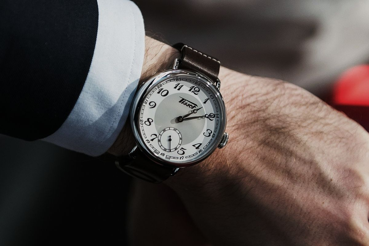 Tissot Heritage 1936 Hand Wound Ref T1044051601200 Montres Mens Prc 200 T0554301105700 Black Wristshot Photo