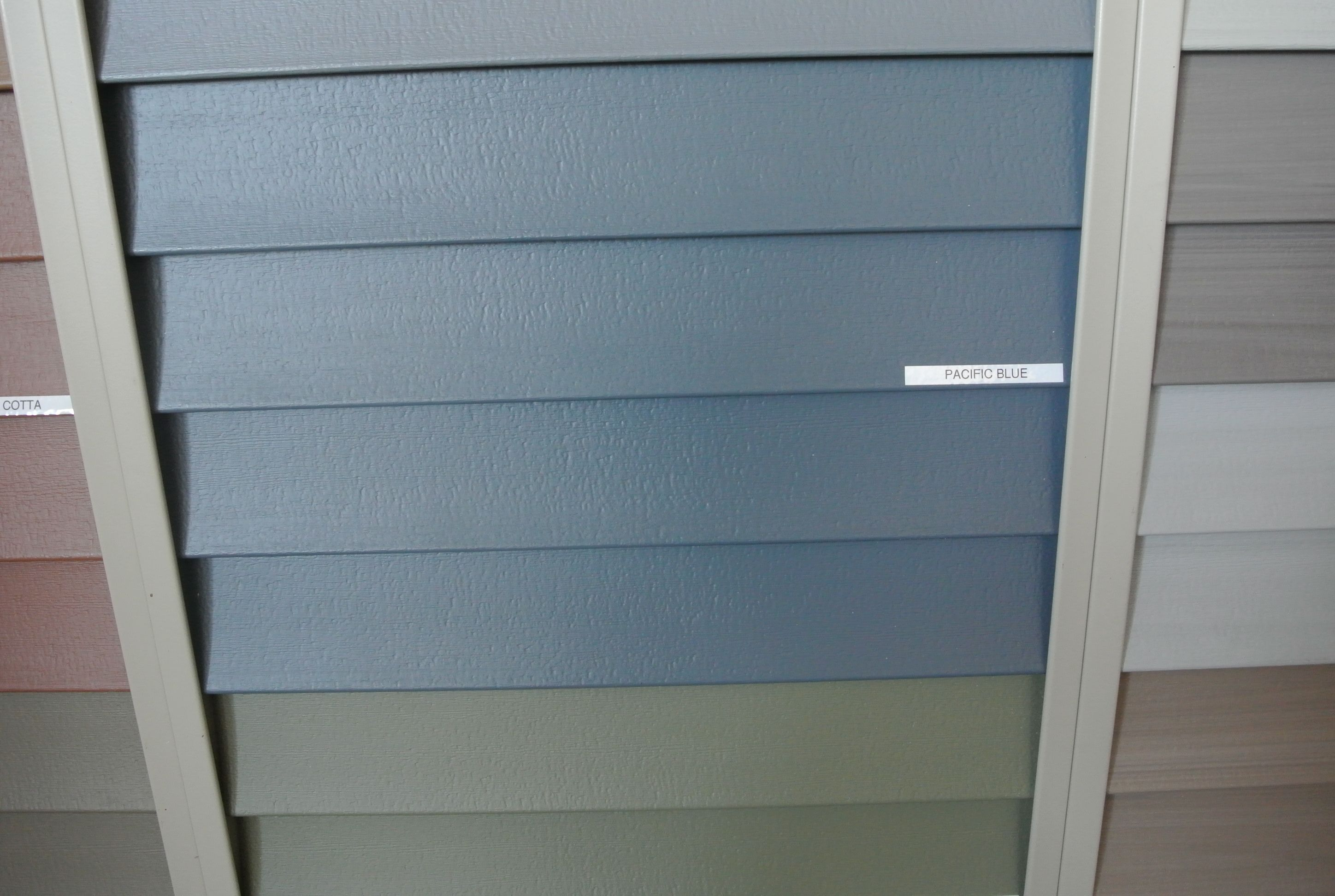 Pacific Blue Vinyl Siding By Certainteed It Has A Bit Of Slight Green Tint In Real Life But When You See The Blue Vinyl Siding Blue Siding Vinyl Siding Colors