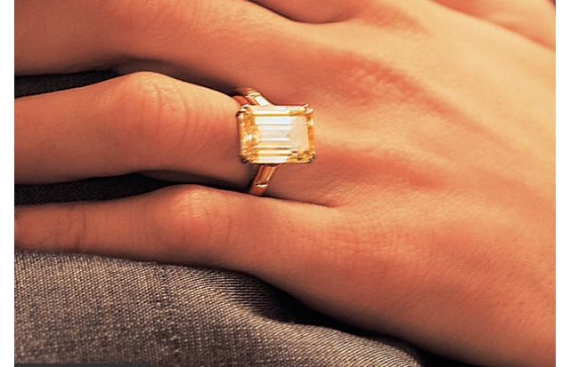 Gold engagement ring :)