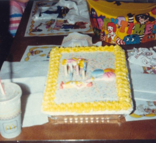 Swell Mcdonalds Birthday Cake Everyone Would Fight Over The Sugar Birthday Cards Printable Nowaargucafe Filternl