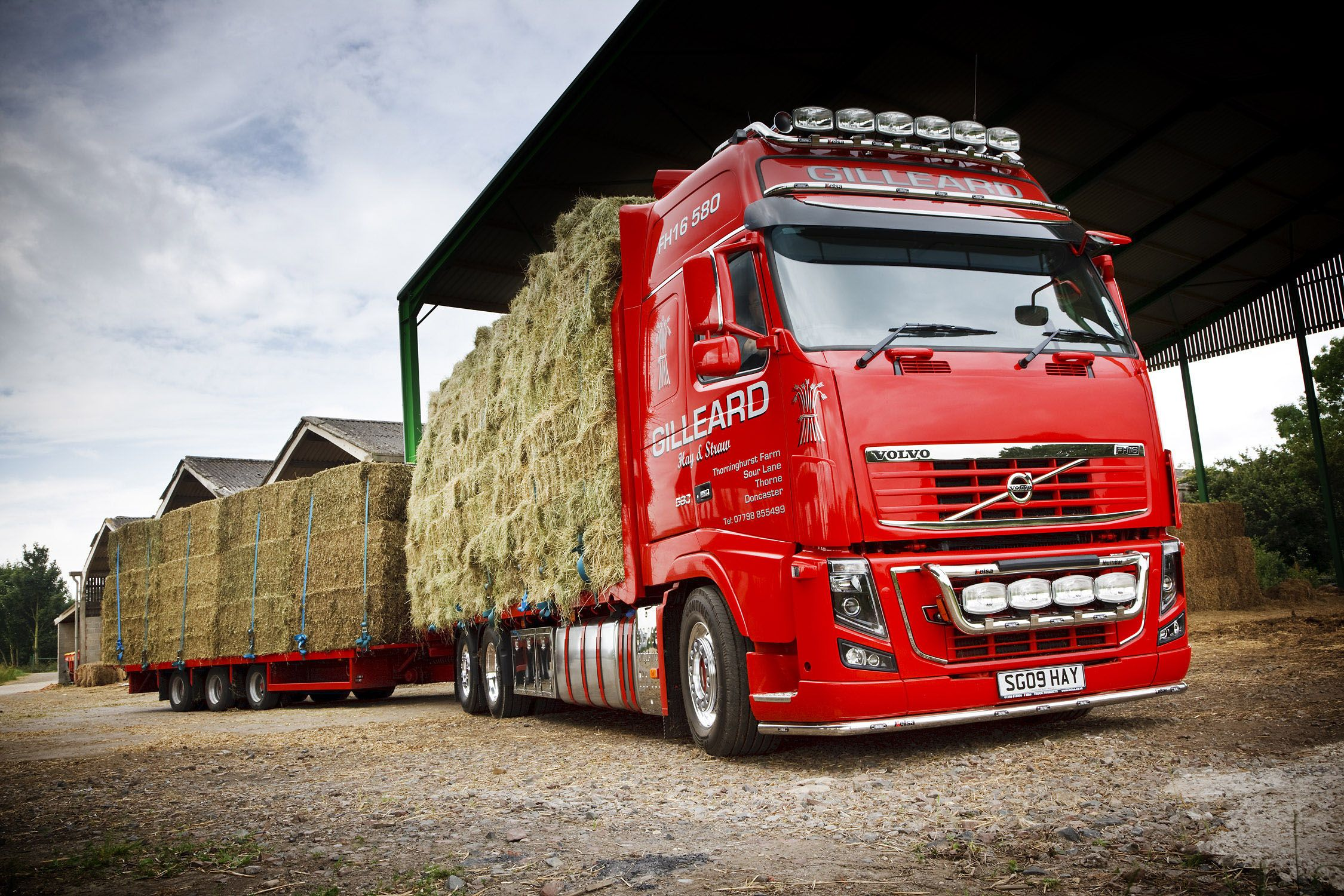 Volvo Truck Wallpaper | Car Wallpapers Bin | trucks | Pinterest ...