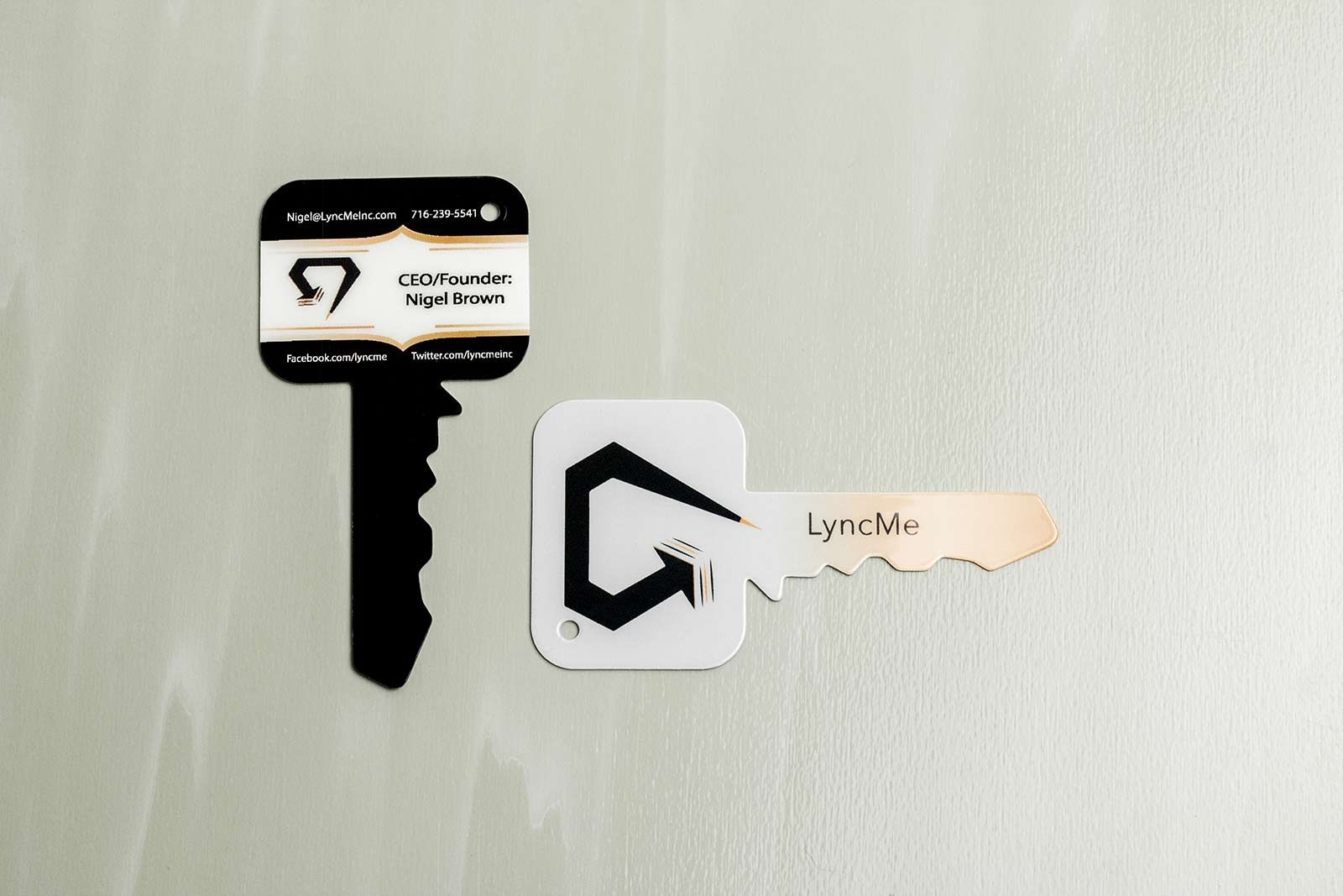 Custom Shaped Business Card A perfect business card for