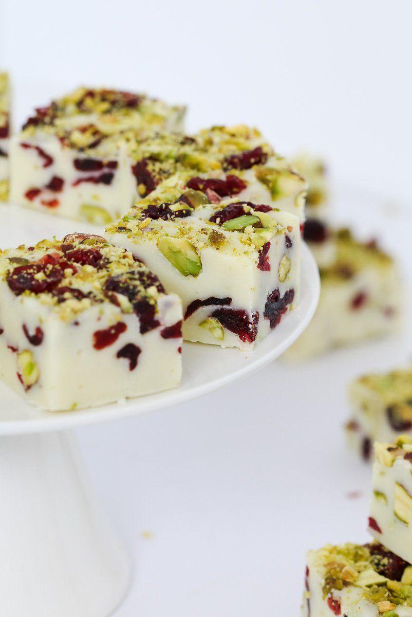 4 Ingredient Microwave Christmas Fudge Recipe Fudge Recipes Dessert Recipes Christmas Fudge Recipe